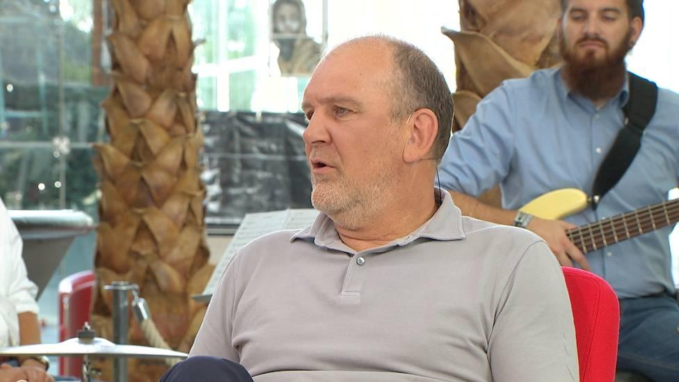 Jörg Schmadtke spricht darüber, wie Ridle Baku die frühzeitige Rückreise aus der Nationalmannschaft verkraftet hat und kritisiert dabei die Entscheidung des Bundestrainers.