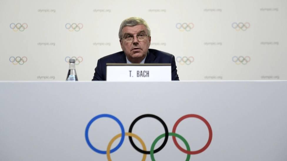 Präsident Thomas Bach verteidigt das Vorgehen des IOC bei der Verschiebung der Olympischen Spiele in Tokio und wehrt sich gegen Kritik.