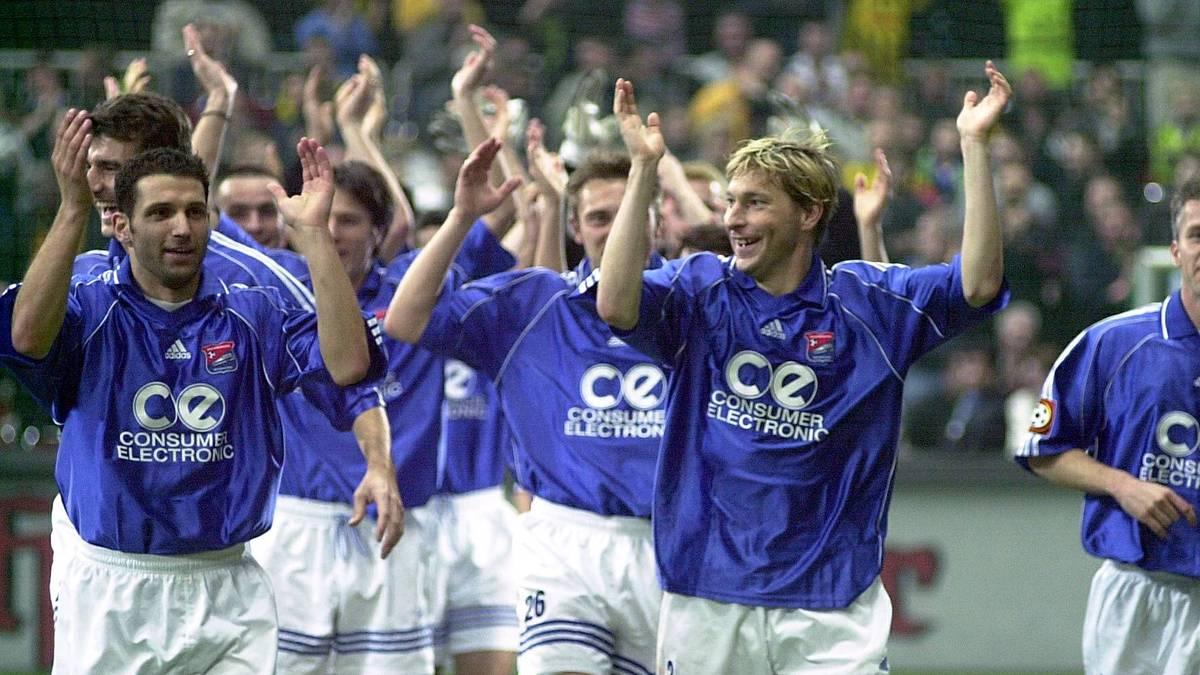 2001 fand die letzte Ausgabe des DFB-Hallenpokals statt. Sieger wurde damals die Spielvereinigung Unterhaching.