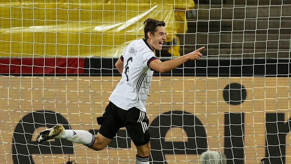 Florian Neuhaus sorgt beim DFB für Furore. Auch Joachim Löw ist voll des Lobes für den Gladbacher.