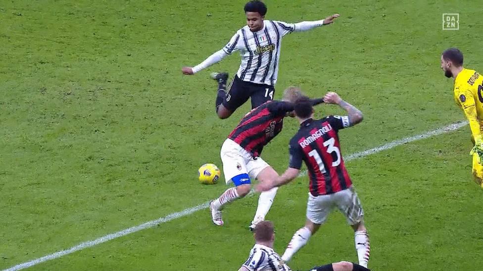 Juventus Turin meldet sich im Titelkampf der Serie A eindrucksvoll zurück. Ohne Superstar Zlatan Ibrahimovic kann Milan im Spitzenspiel nur zeitweise mithalten.