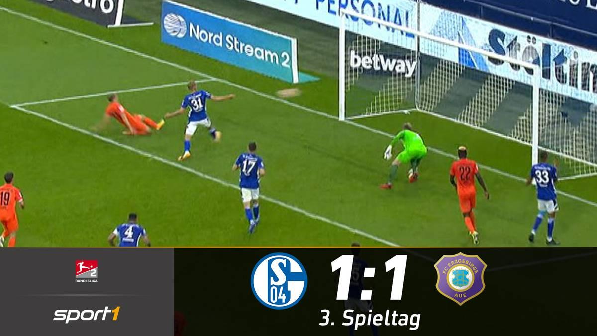 Der FC Schalke 04 hat das Spiel gegen Erzgebirge Aue lange im Griff, verpasst es allerdings für die Vorentscheidung zu sorgen. Am Ende entführt Aue doch noch einen Punkt aus Gelsenkirchen.