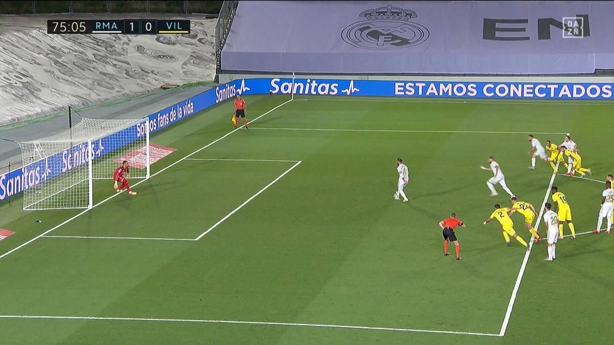 Real Madrid ist nach einer zweijährigen Durststrecke wieder spanischer Meister. Karim Benzema avanciert zum Matchwinner, ein Elfmeter sorgt für Aufregung.