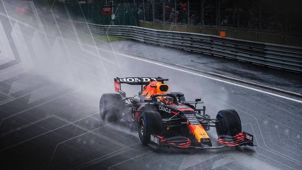 Mit stundenlangen Unterbrechungen und Regen ohne Ende mutiert der Belgien-GP zum Chaos-Rennen.