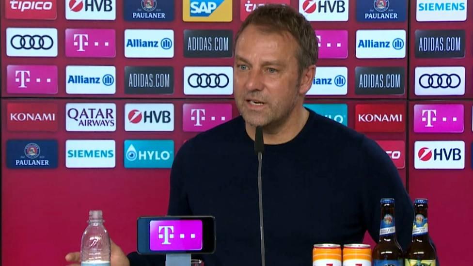Hansi Flick wird auf die Kritik von Karl Lauterbach, die der Politiker gegenüber SPORT1 geäußert hatte, angesprochen. Der Bayern-Coach reagiert erzürnt.
