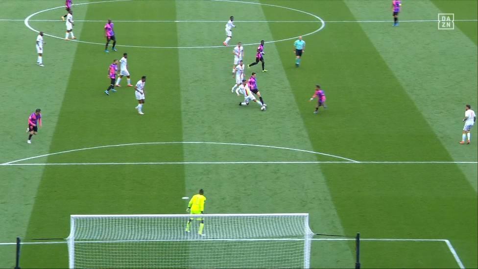 PSG hat vor dem Rückspiel im Halbfinale der Champions League die Pflichtaufgabe in der heimischen Liga erledigt und seine Meisterchance gewahrt. Julian Draxler glänzt mit einer Torvorlage.