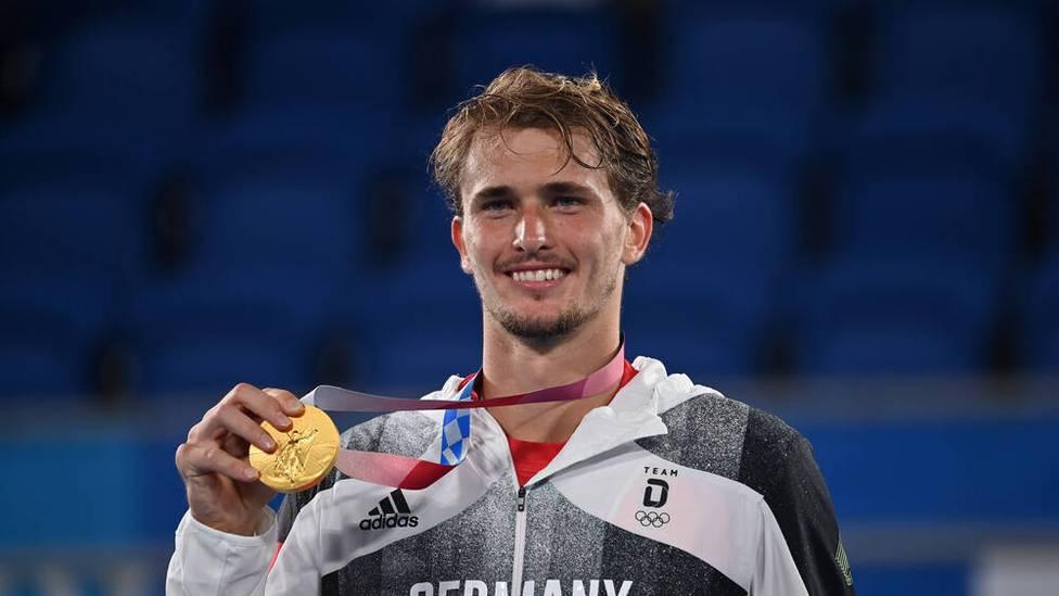 Nach seinem Olympiasieg denkt Tennisstar Alexander Zverev über eine kleine Auszeit nach. Der 24-jährige hat in Tokio als erster Deutscher die Goldmedaille im Männer-Einzel gewonnen.
