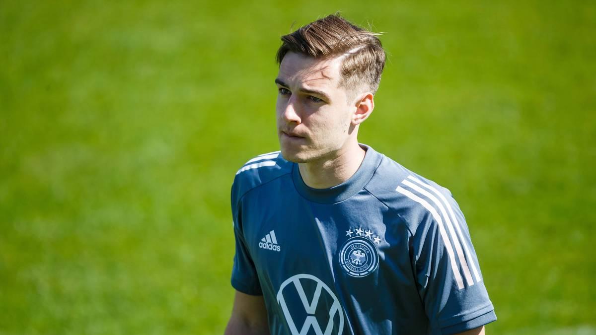 Florian Neuhaus hat Berichte über einen bereits feststehenden Wechsel im Sommer 2022 von Borussia Mönchengladbach zu Bayern München zurückgewiesen.