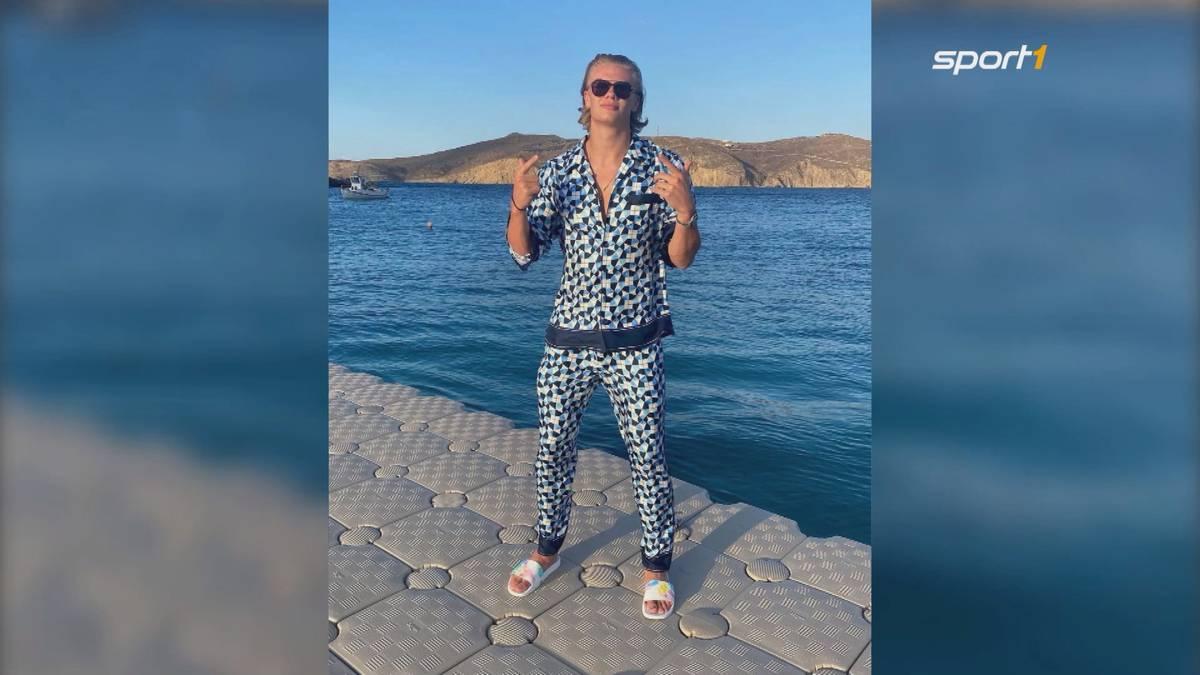 Während der Großteil seiner BVB-Kollegen gerade bei der EM um den Titel kämpft, verweilt Erling Haaland grade im Urlaub in Griechenland. Dort beweist der Stürmer-Star jetzt seine Modeaffinität.