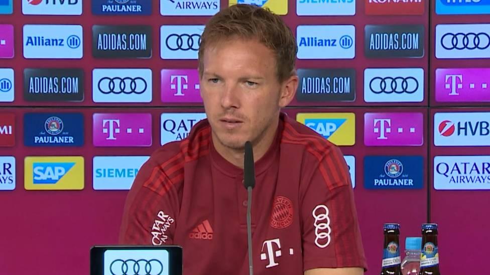 Michael Cuisance ist beim FC Bayern mal wieder außen vor. Sein Trainer fällt ein schonungsloses Urteil.