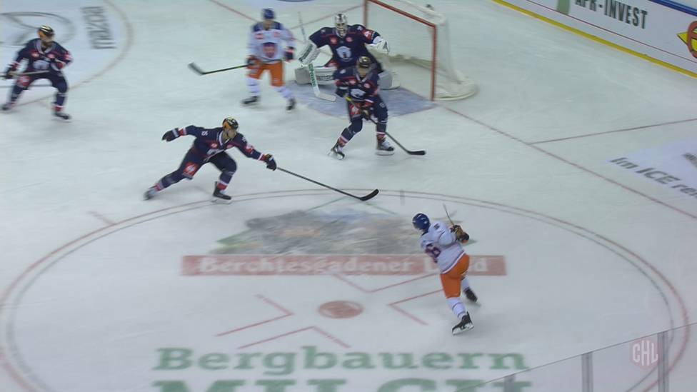 Die Eisbären Berlin kassieren im ersten Pflichtspiel der Saison eine klare Niederlage. In der CHL gibt es gegen Tappara Tampere eine böse Klatsche.