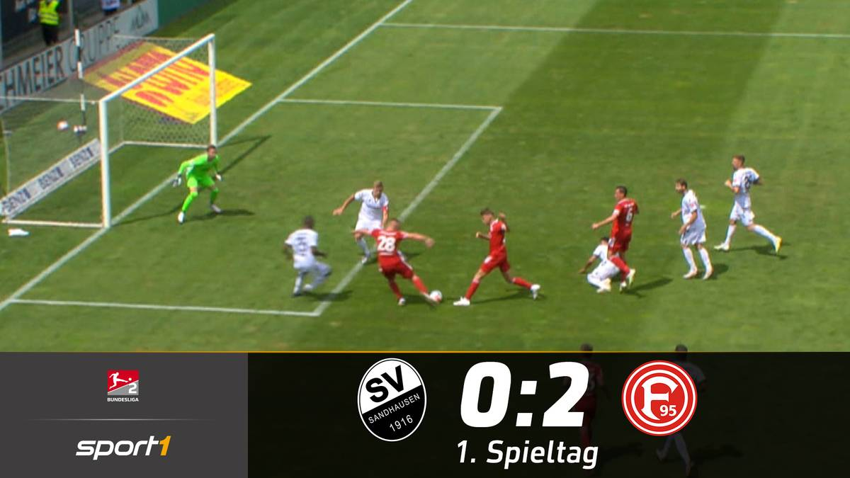 Nach 8 Jahren schafft Fortuna Düsseldorf mal wieder einen Auftaktsieg in die neue Saison. Matchwinner ist Torjäger Hennings, der gleich doppelt trifft.