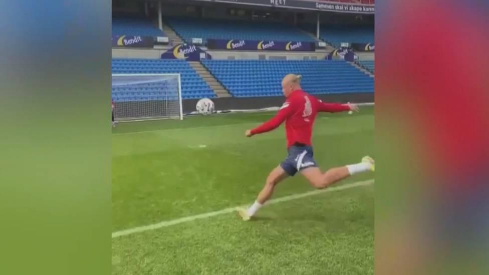 Während der WM-Qualifikationsspiele postet Stürmer Erling Haaland dieses Video und begeistert nicht nur seine Fans.
