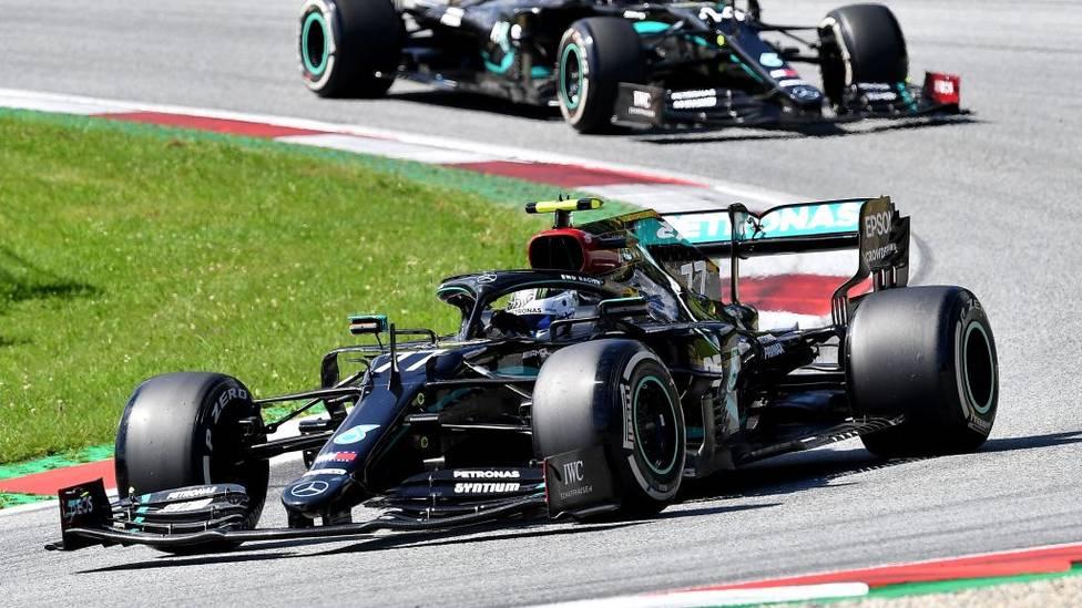 Der Formel-1-Auftakt hat es in sich. Während Valtteri Bottas einen Start-Ziel-Sieg feiert, fällt fast die Hälfte der Fahrer aus. Vettel rettet sich in die Punkte.
