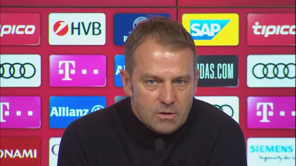 Dank einer furiosen zweiten Hälfte dreht der FC Bayern gegen Mainz einen 0:2-Pausenrückstand in einen hohen Sieg.  Dementsprechend ist Trainer Hansi Flick nach Abpfiff nicht gänzlich zufrieden.