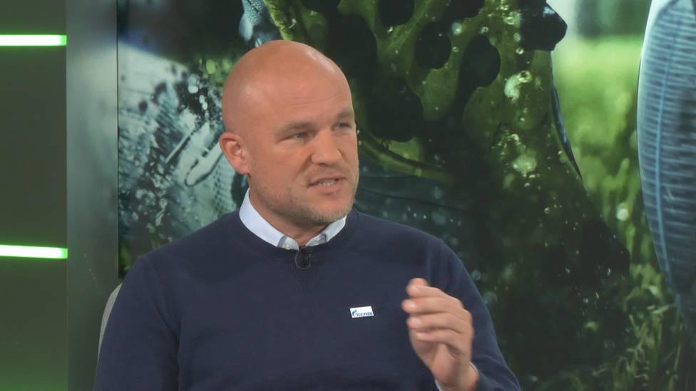 Simon Terodde hat den Uraltrekord von Dieter Schatzschneider geknackt. S04-Sportdirektor und Ex-Mitspieler Aaron Hund loben den Torjäger in höchsten Tönen.