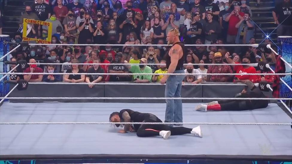 Brock Lesnar mischt die Draft-Episode von WWE Friday Night SmackDown auf, schleudert Roman Reigns und die Usos mit Suplessen durch die Gegend. Am Ende mag der Universal Champion nicht mehr.