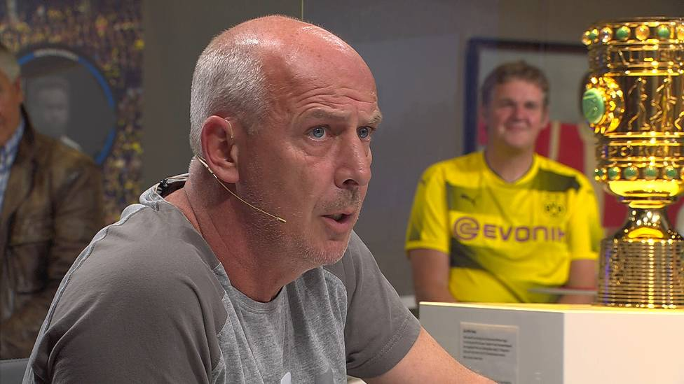 Mats Hummels hat Mitspieler Mahmoud Dahoud nach dessen Platzverweis gegen Gladbach öffentlich kritisiert. Mario Basler hat dazu eine klare Meinung.