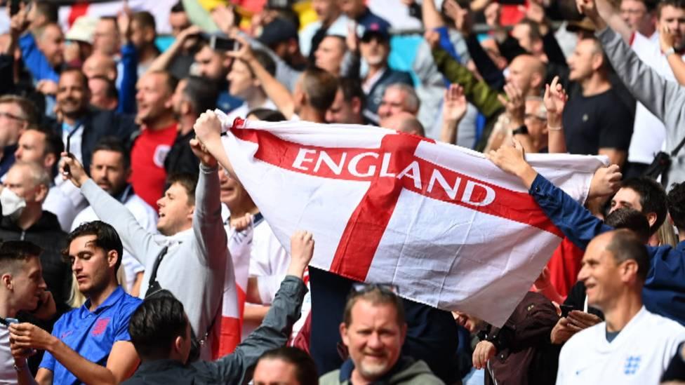 Die UEFA hat alle jüngst verkauften Eintrittskarten an englische Fans für das EM-Viertelfinale in Rom gesperrt.
