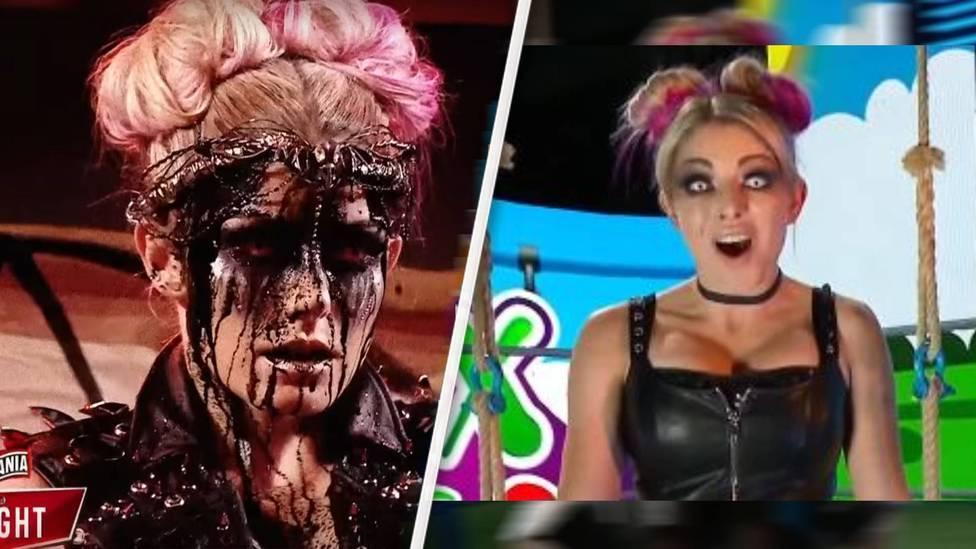 """Auf schockierend-bizarre Weise hat Alexa Bliss bei WrestleMania 37 die Horrorfigur The Fiend verraten. Bei RAW erklärt sie sich - und präsentiert eine neue """"Freundin""""."""