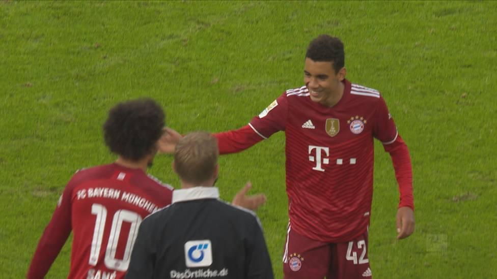 Jamal Musiala ist erst 18 Jahre alt und trotzdem schon wichtiger Teil des Bayern-Teams. Der Nationalspieler muss sich vor der Konkurrenz auch nicht verstecken.