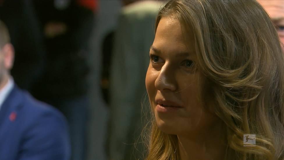 Anna Lewandowska lobt Ehemann Robert Lewandowski. Sie ist sehr stolz auf ihn, wie hart er jeden Tag arbeitet, um seine Träume wahr werden zu lassen.