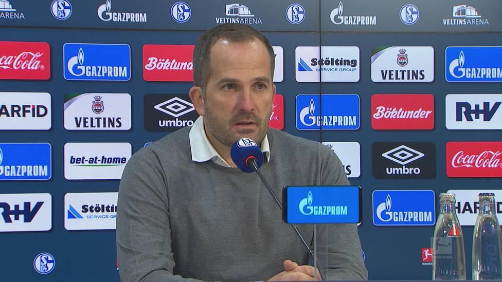 Nächster Rückschlag für Schalke 04: Beim 0:2 gegen den VfL Wolfsburg präsentierten sich die Knappen vor allem in der ersten halben Stunde in desolater Verfassung. Manuel Baum ist enttäuscht und sauer.