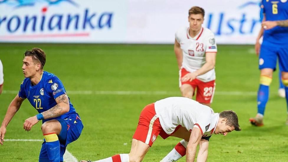 Robert Lewandowski führt Polen zum Sieg gegen Andorra. Doch der Bayern-Star muss angeschlagen ausgewechselt werden. Die erste Diagnose bereitet Sorgen.