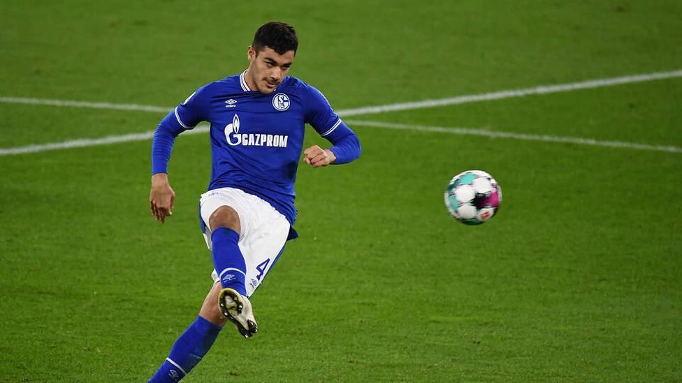 Englischen Medienberichten zufolge bereitet der FC Liverpool ein Angebot über 22 Mio. Euro für Schalkes Ozan Kabak vor.