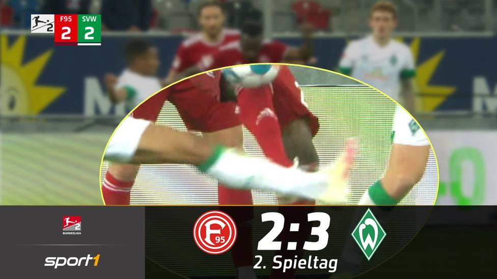 In letzter Sekunde bezwingt Werder Bremen im Topspiel der 2. Bundesliga Fortuna Düsseldorf doch noch und holt den ersten Sieg der Saison.