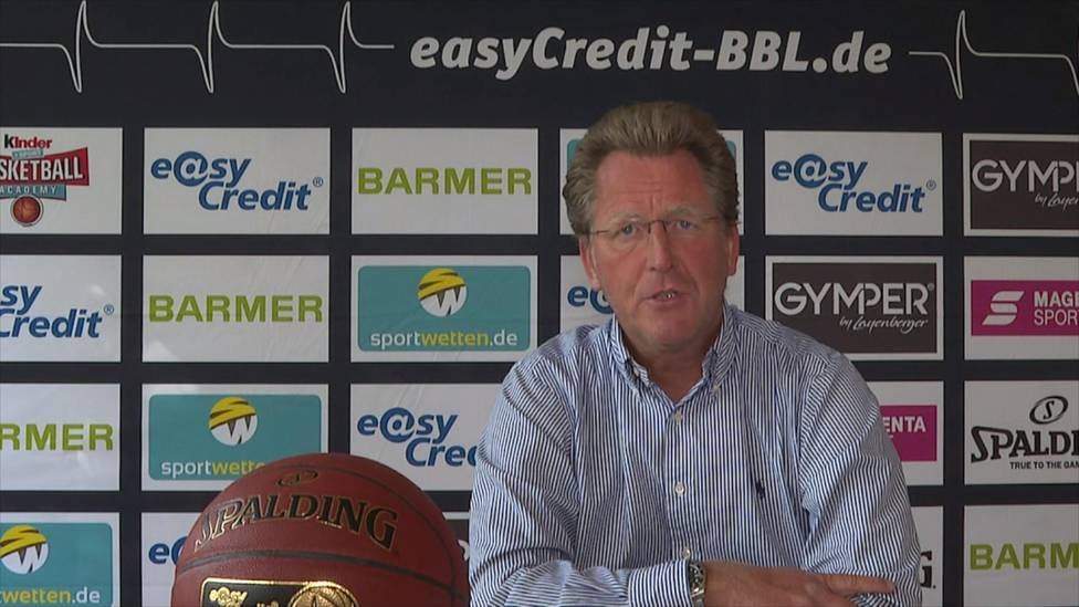 Stefan Holz, der Geschäftsführer Basketball Bundesliga, erklärt zu welcher Lösung die Vereine für die restliche Saison gekommen sind. Und wie viele Teams noch am Start sind.