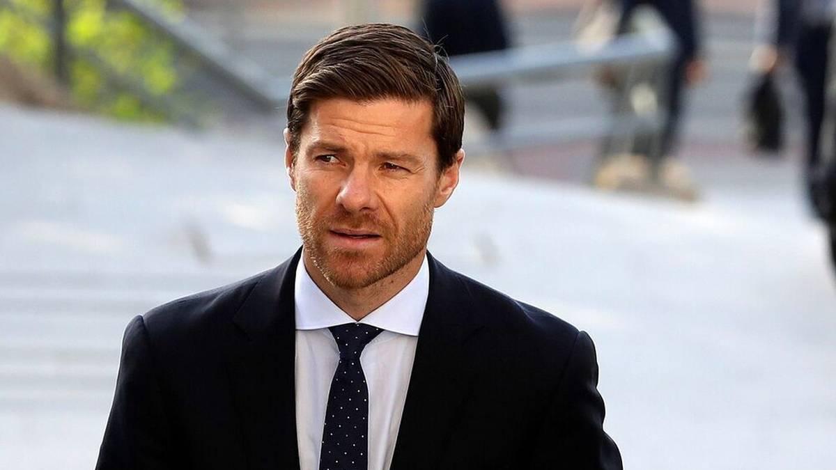 Trainer-Hammer bei Borussia Mönchengladbach: Ex-Bayern-Spieler Xabi Alonso soll offenbar Marco Rose im Sommer bei den Fohlen beerben.
