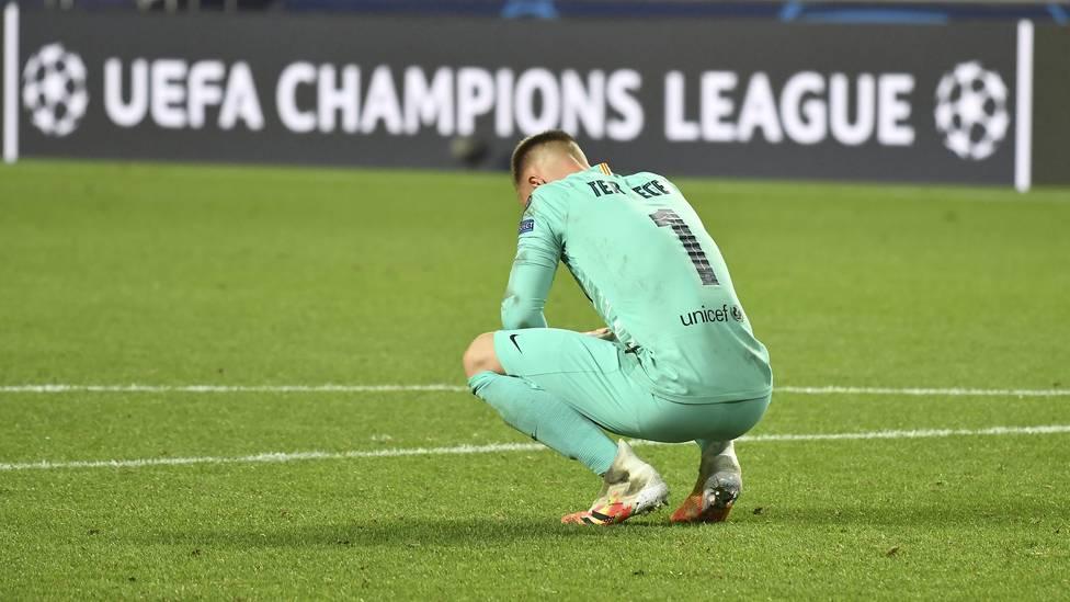 Marc-Andre ter Stegen hat sich nach der 2:8-Niederlage gegen den FC Bayern  im Viertelfinale der Champions League für den Auftritt des FC Barcelona entschuldigt.