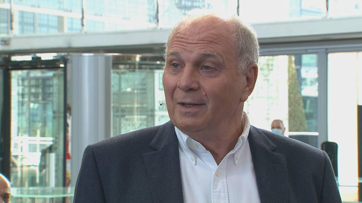 Im CHECK24 Doppelpass erläutert Uli Hoeneß den Stand bei den Vertragsverhandlungen von David Alaba und kann sich eine Spitze gegen dessen Berater nicht verkneifen.