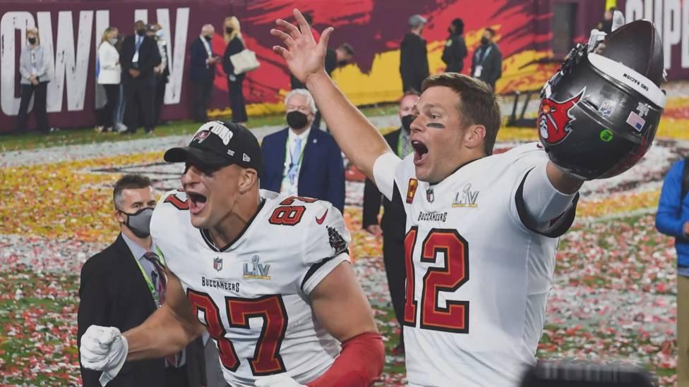 Die NFL-Saison steht in den Startlöchern. Endlich dürfen sich die Fans auch wieder auf volle Stadien freuen. Neben einigen Super-Bowl-Favoriten will auch ein Deutscher auf sich aufmerksam machen.