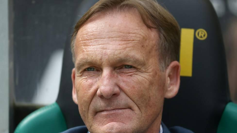 Nach der 1:2-Niederlage vom Freitag bei Union Berlin musste sich der neue BVB-Coach Edin Terzic harte Kritik von Ex-Nationalspieler Mehmet Scholl anhören.
