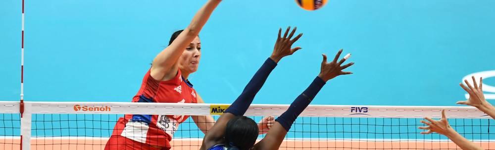 Milena Rasic (l.) und ihre serbischen Teamkolleginnen gewinnen im WM-Finale gegen Italien