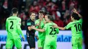Schiedsrichter Robert Hartmann entschied in der Schlussphase auf Elfmeter für Mainz - sehr zum Ärger der Hannoveraner