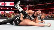 Dean Ambrose konnte wegen einer Armverletzung acht Monate nicht in den WWE-Ring steigen