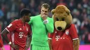 David Alaba (l.) and Manuel Neuer hope jerome Boateng stays part of the Bayern Munich team