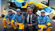 2002 wechselt der Spanier nach einigen Achtungserfolgen ins Renault-Team seines Förderers Flavio Briatore - zunächst allerdings nur als Testfahrer