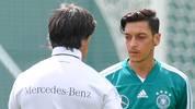 """Nations League: Joachim Löw kritisiert Mesut Özil: """"Menschlich enttäuscht"""""""