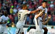 Rebic jubelt mit Mannschaftskollegen über sein Tor gegen Hannover