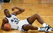 """Schon als Rookie mangelt es dem Center trotz damals noch vergleichsweise dünner Oberarme nicht an Selbstbewusstsein. Daher nennt er sich damals gern """"The Big Baryshnikov"""""""