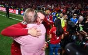 Liverpools Kapitän Jordan Henderson mit Vater Brian