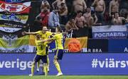Marcus Berg (M.) traf für Schweden zum 2:0 gegen Russland und machte damit den Aufstieg in die Liga A klar