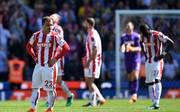 Xherdan Shaqiri (l.) steht mit Stoke City als Absteiger fest