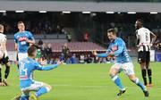 Amin Younes (r.) erzielte mit seinem ersten Torschuss in der Serie A sein erstes Tor für den SSC Neapel