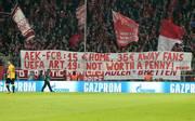Bayern-Fans protestierten beim Rückspiel gegen AEK Athen gegen überhöhte Ticketpreise