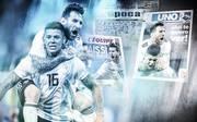 Lionel Messi (h.) feiert Marcus Rojo für dessen entscheidendes Tor gegen Nigeria